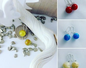 Earrings sleepers short effect laminated silver beads mount round cream red blue glass...