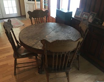 Early 1900's Quartersawn Oak Top Dining Room Table W/ 4 Pressed Back Chairs, Early American Furniture, Pub Table, Pub Table and Chairs
