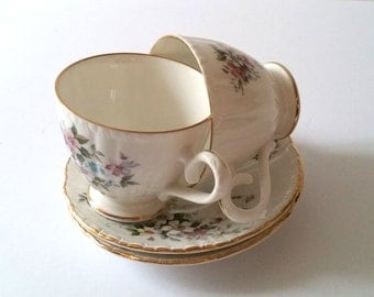 Sweet set of cups with saucers