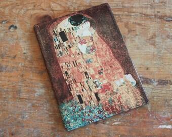 The Kiss by Gustav Klimt-printing on ceramics