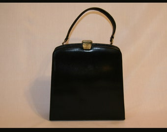 Classic Black Single Handle Purse