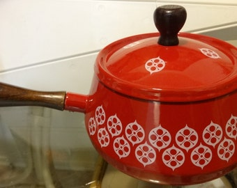 Mid-Century FONDUE POT // Red and White // Patterned // Wood Handle // Excellent quality