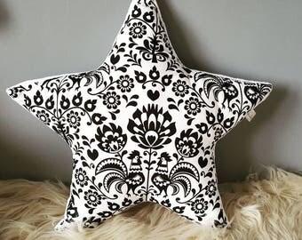 Star pillow - Black&White