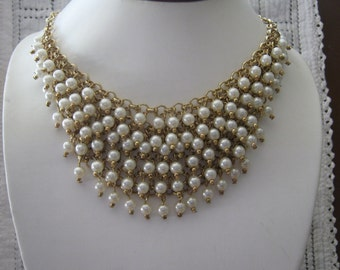 Audacious ! Pearl and Gold Bib Necklace