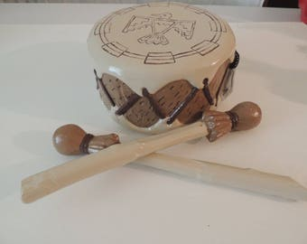 Drum with 2 drum sticks