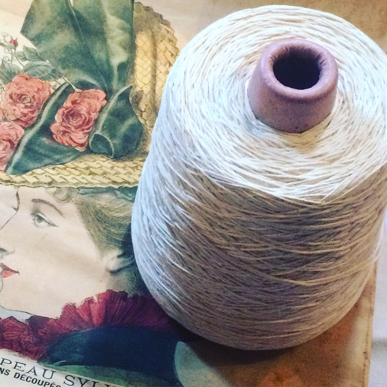Große Spule Draht alt 100 % Baumwolle. Farbe Elfenbein ...