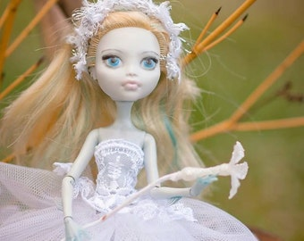 repaint monster high doll Lagoona like winter fairy