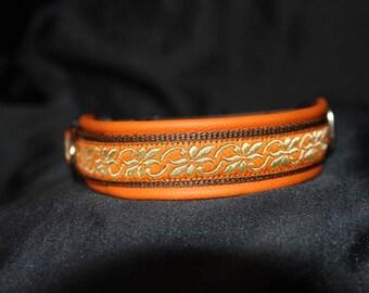 Collar orange gold