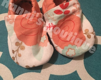Sweet Baby Infant Soft Sole Shoes. Flower Polka Dot Pink, White, and Gold