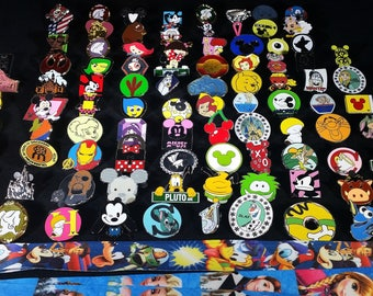 50 Disney Pins (FREE SHIPPING)
