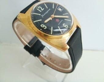 Vostok Komandirskiye wristwatch gilted case AU10 collectible wearable state ussr cal 2234 soviet watch