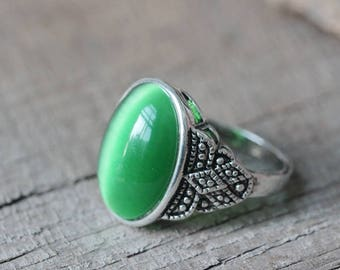 green cat eye ring  gift for her antique style