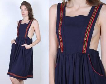 70s Pinafore Dress // Vintage Dirndl Jumper Dress Pockets Navy Blue Floral - Small to Medium