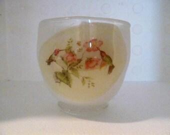 Humminbird motif bowl