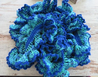 Twirl scarf