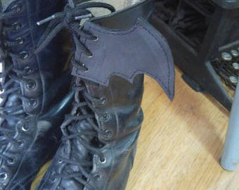 Bat Wing Boot Huggers