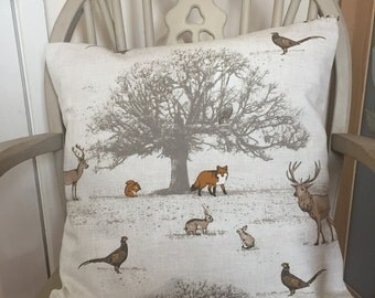 Stag and wildlife cushion cover with pad.
