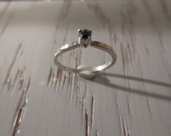 3mm Tiny Rose Cut Black Diamond Ring in Sterling Silver with Hammered Band sz 7 1/4