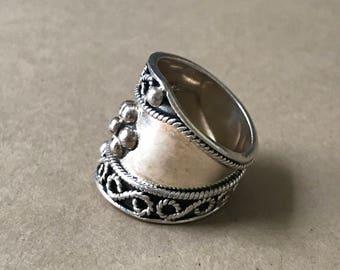 Vintage Sterling Silver Ring, Vintage Southwestern, Size 7-1/4 Ring