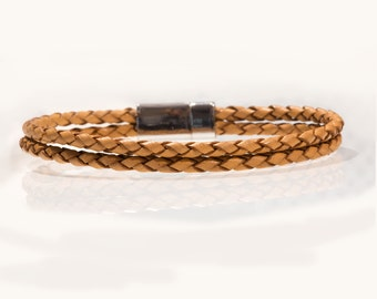 Land of the cats bracelet - braided brown leather