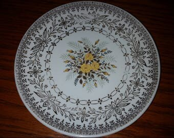 Fine china replacement saucer