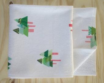 Fir Tree Print Children's Bath Towel - Super Soft