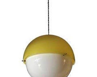 "Suspension Raimondo Guzzini for Kartell, model ""Hanging Lamp"" of the 20th century"