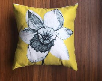 Daffodil Days. cushion/ pillow, yellow, monochromatic, hand drawn, bright botanical