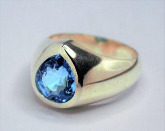 topaz silver Knight blue