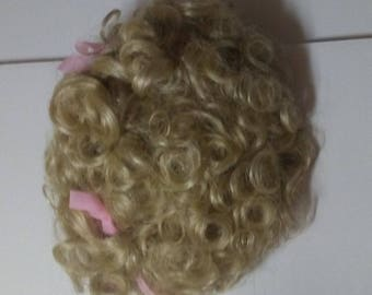 Doll wig size 15 light blonde curly and short vintage by tallinas