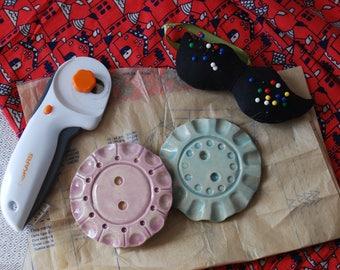 Vintage button ceramic button pattern weight