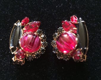 WEISS* Stunning Striated Glass & Rhinestone Clip On Earrings, Signed