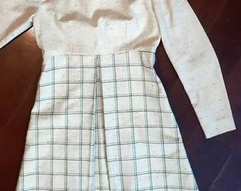 MINT CHIP 1960's pale green long sleeve knee length dress plaid  mandarin collar. Small (see measurements)