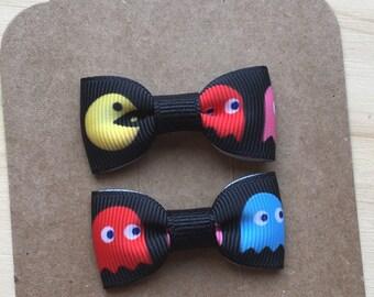 Pac Man inspired mini bow, Mini Tuxedo Hair Bows, baby & toddler hair clip, mini bow