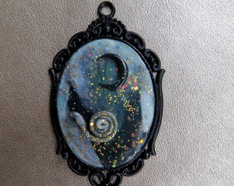 """sparkling medallion with polymer clay """"Black Moon"""""""