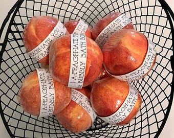 You're a Peach bubbly bath bomb