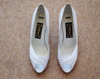 StMichael White Leather Heel Peep Toe Shoe size 7 UK New