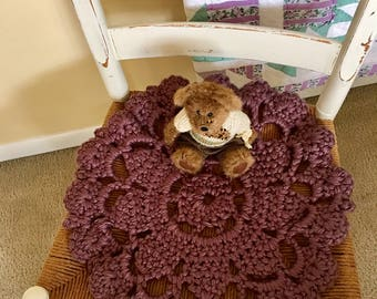 Mauve crochet chair pad