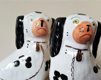 Staffordshire dogs, Arthur Wood (England),  Spaniel figurines #4558