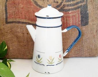Coffee maker/teapot enamel, rustic, country décor. France 1960.