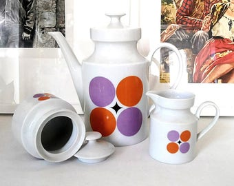 The Wunsiedel Bavaria 1960s service. Vintage porcelain. Color white, orange, violet. Jug, milk, sugar pot.