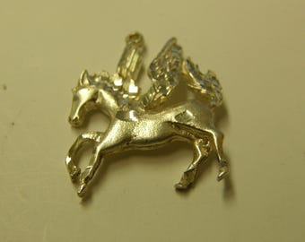 Gorgeous Pegasus Diamond Cut Sterling Silver Pendant