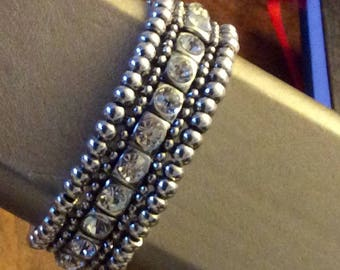 Vintage Style Crystal Bracelet with magnetic clasp