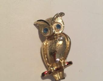 Vintage figural owl brooch