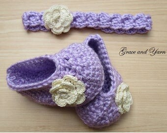 Crochet flower headband and baby bootie set, 0-6 months