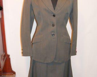 40's/50s Vintage Grey Skirt Suit Medium
