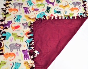 Cat Lovers Throw - Colorful Cat Blanket - Cat Decor - Cat Bedding - Bedding for Girl - Cat Theme Decor - Girl Cat Blanket - Twin Size Bed