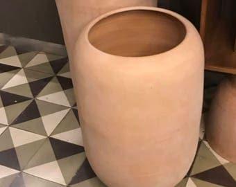 Design model JUPITER - natural terracotta pot