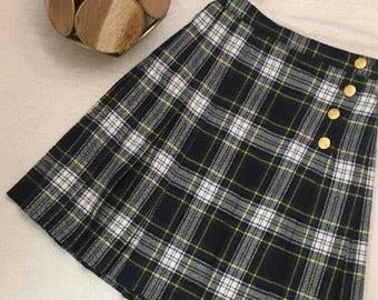 Vintage Valerie Stevens petites school girl style plaid pleated wrap skirt, size 2