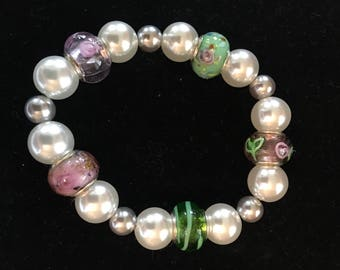 Pearl bracelet  with pink and green Murano glass beads